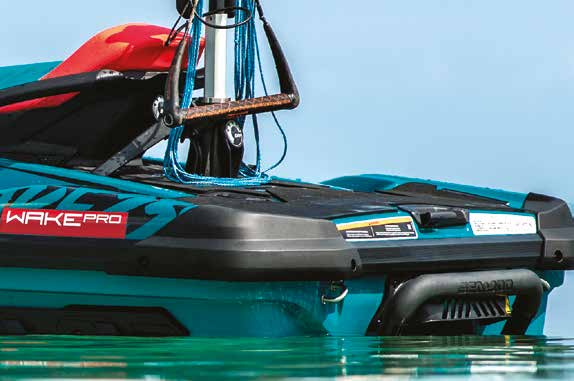 Swim Platform with Integrated LinQ™ System 2019 seadoo feature