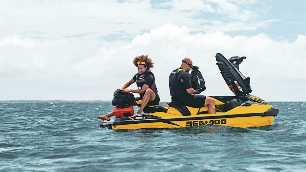 buy a sea doo rxt-x 300 2021 at jolly roger marina